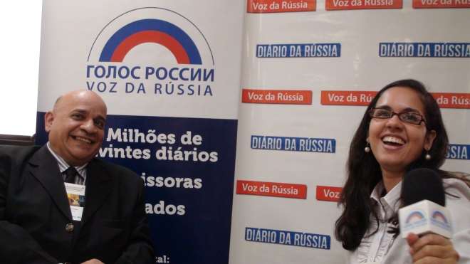 Tassia Braga para a radio Voz da Russia